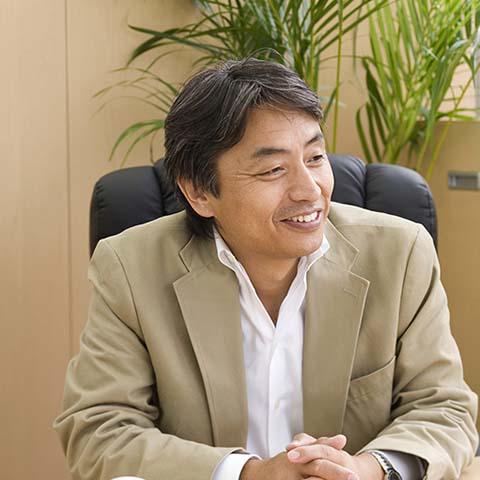 代表取締役 OA機器販売業 室井 亨